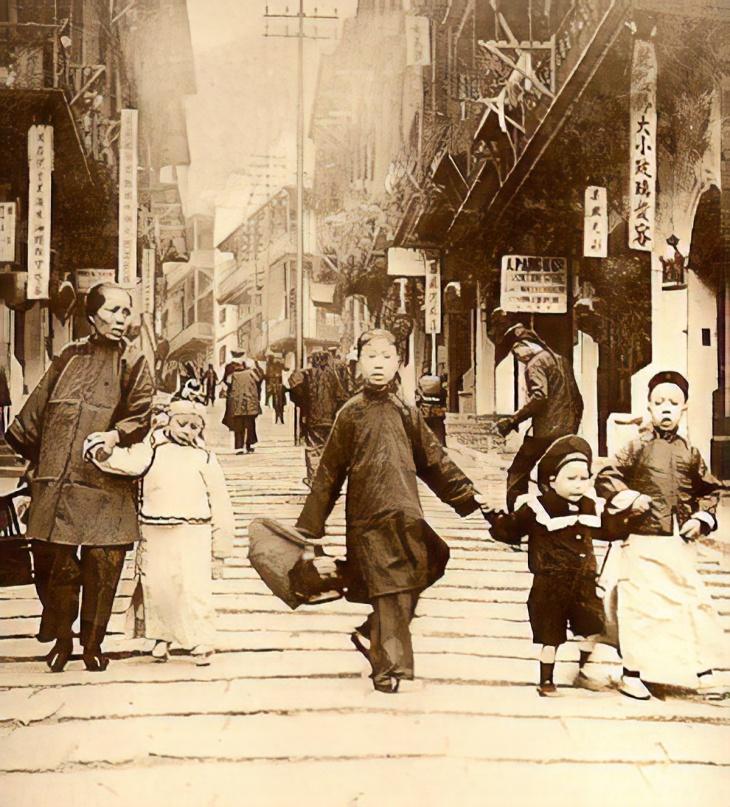 HK-Pottinger-Street1890s-magic