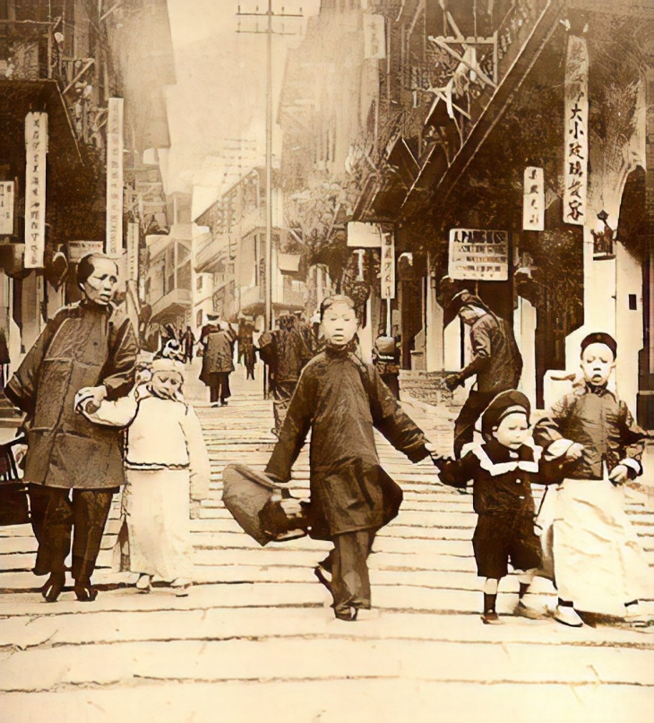 HK-Pottinger-Street1890s-magic