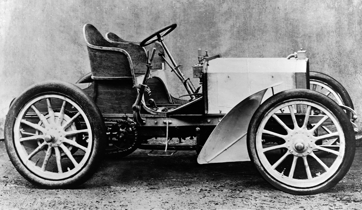 The first Mercedes automobile, 1901
